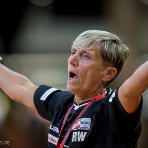 ... <b>Renate Wolf</b> im Spiel Frisch Auf Frauen - Bayer Leverkusen ... - Renate-Wolf-im-Spiel-Frisch-Auf-Frauen-Bayer-Leverkusen-11-300x300