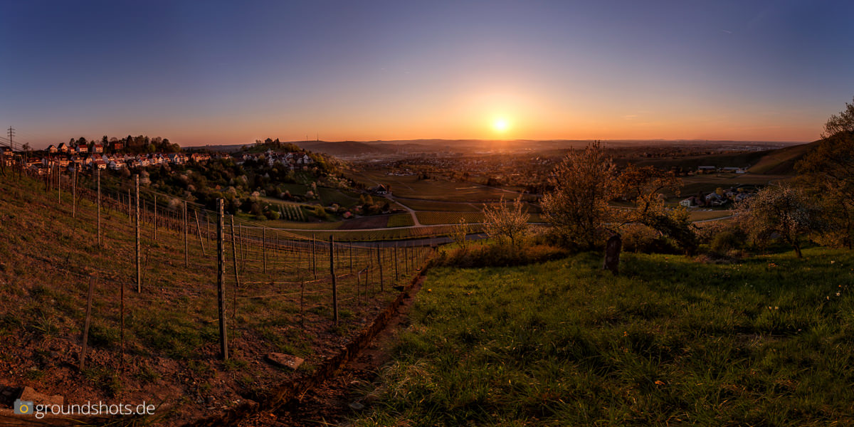 Sonnenuntergang ueber dem Stuttgarter Wasen